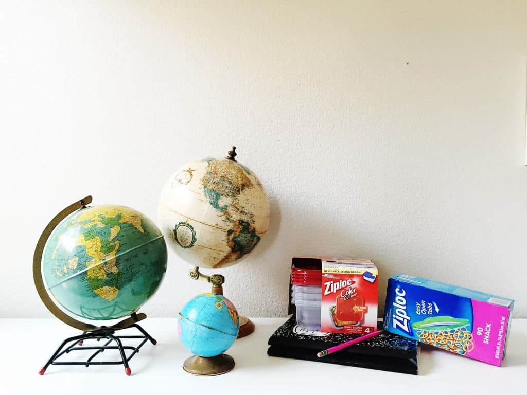 With back-to-school time, I need a nice, organized spot for my children to do their homework. Here's how I made a DIY homework station perfect for all our budding geniuses. #ZiplocBackToSchool #ad