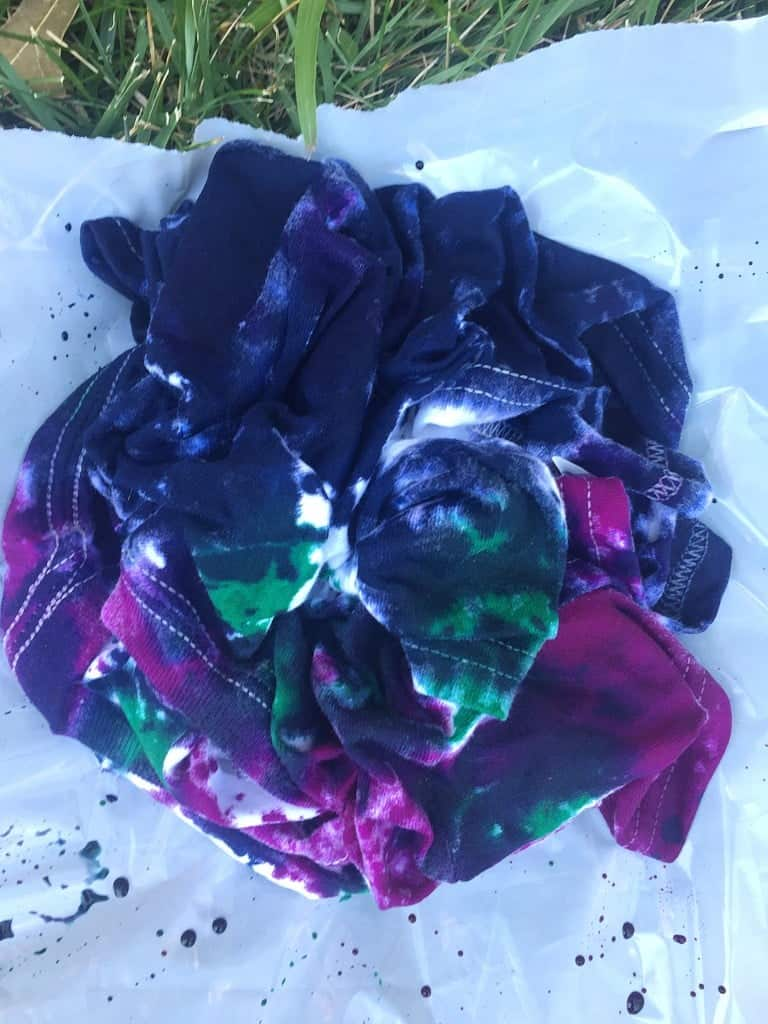 DIY Tie Dye Shirts Crumple Pattern