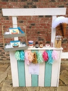 Plan a Backyard Ice Cream Stand Party