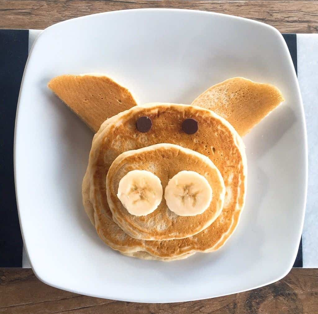 Pig animal-shaped pancakes