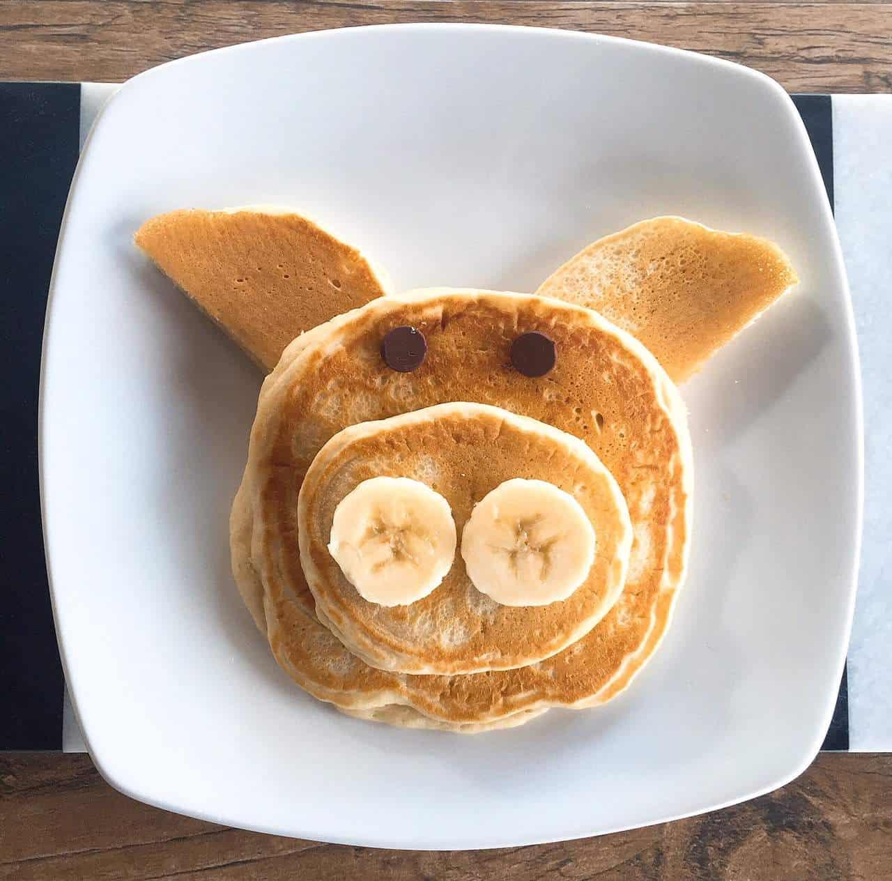 Pig animal-shaped pancakes