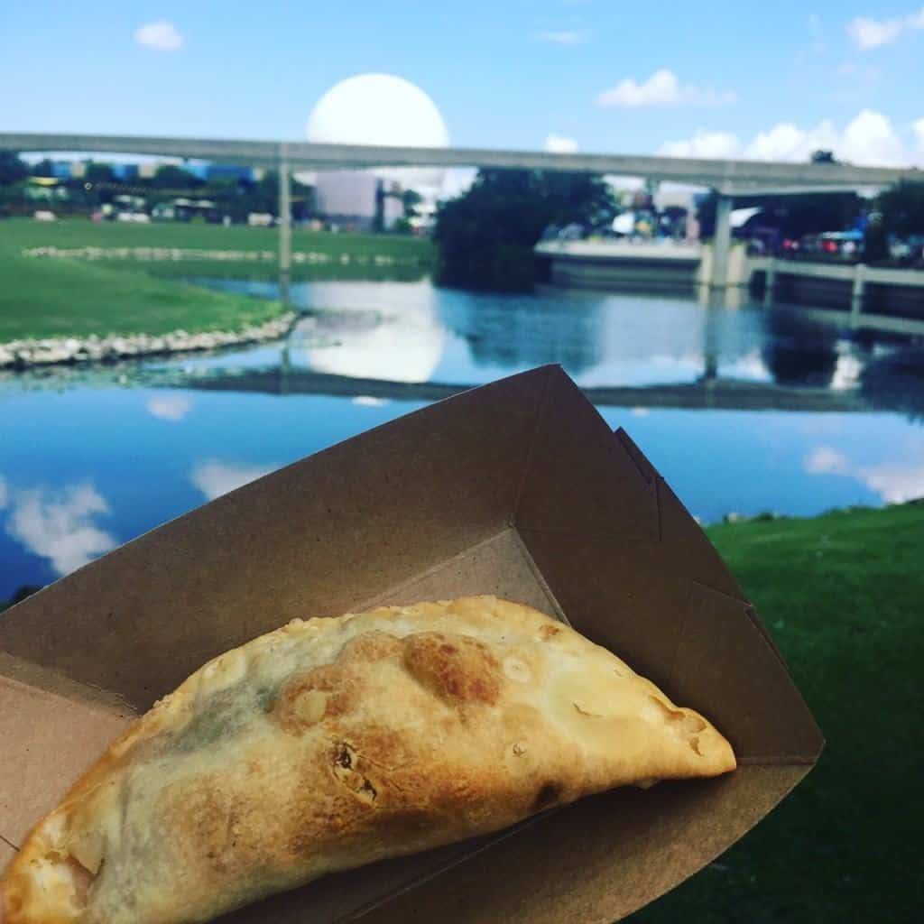 Eating at Epcot International Food & Wine Festival