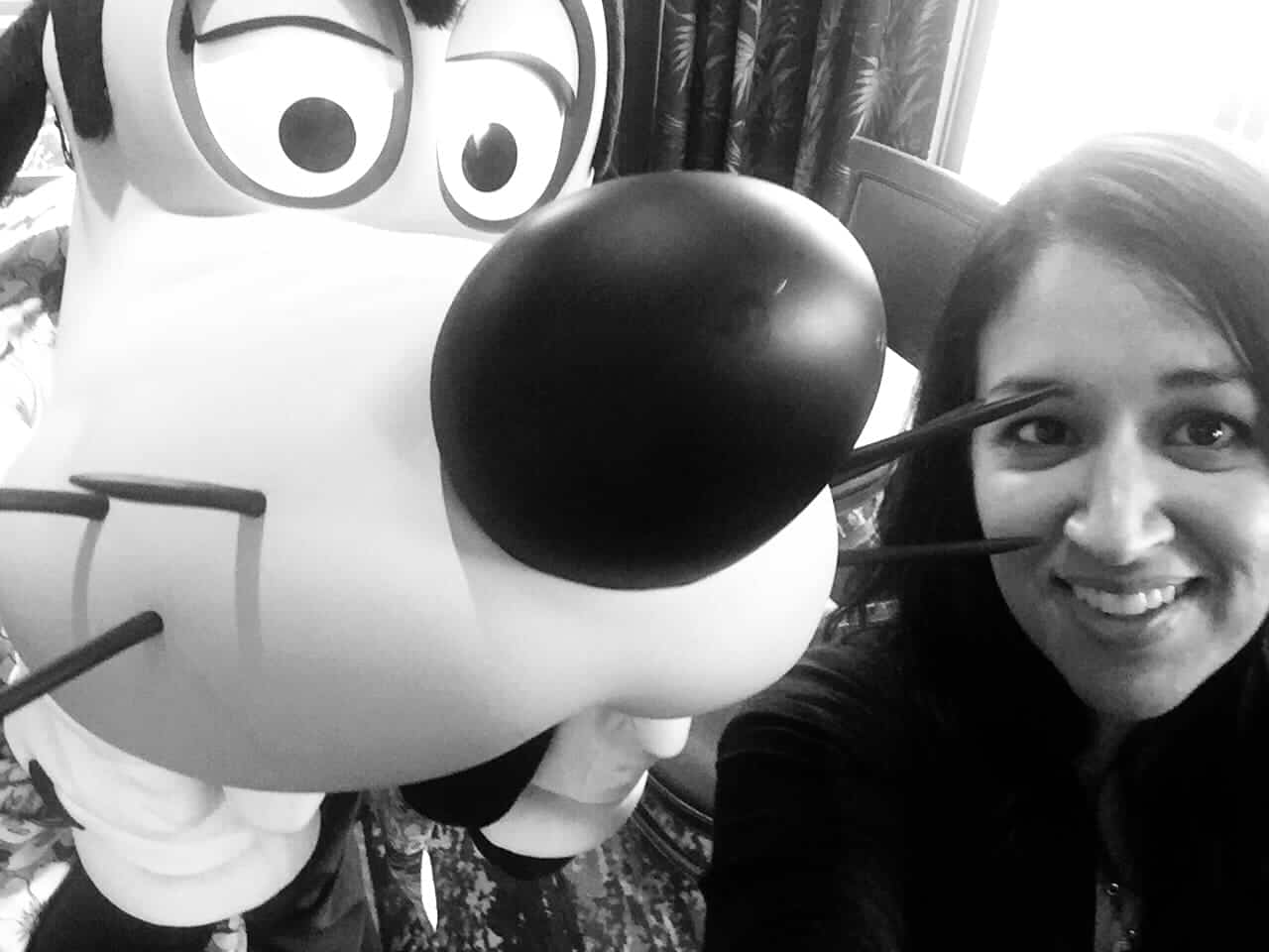 Selfies with Goofy at Disney Character Breakfast at Wyndham Lake Buena Vista