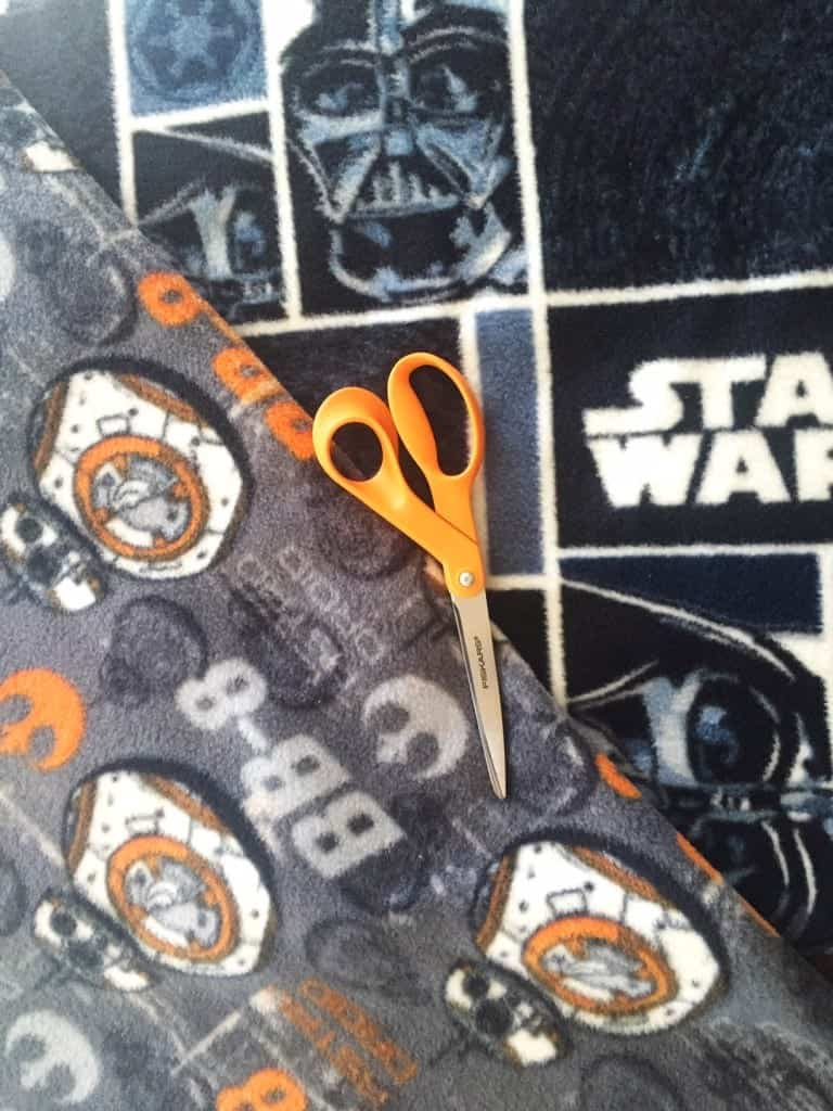 DIY Star Wars Blanket for Dogs