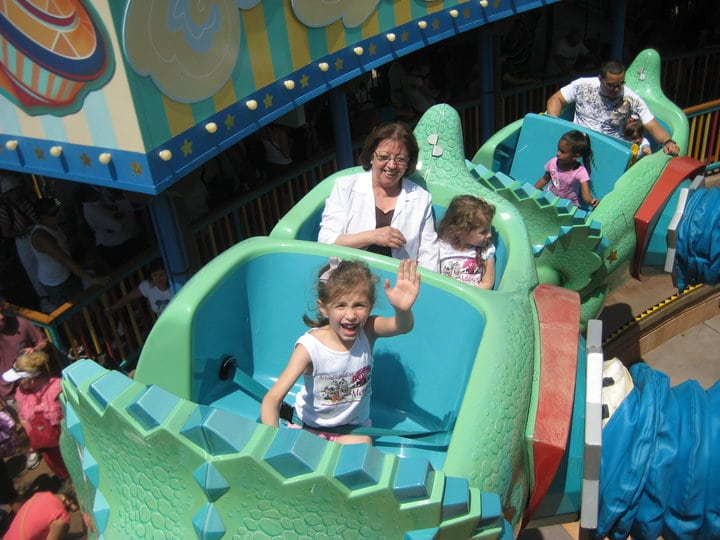 Triceratop Spin at Animal Kingdom is perfect for toddlers at Disney World.