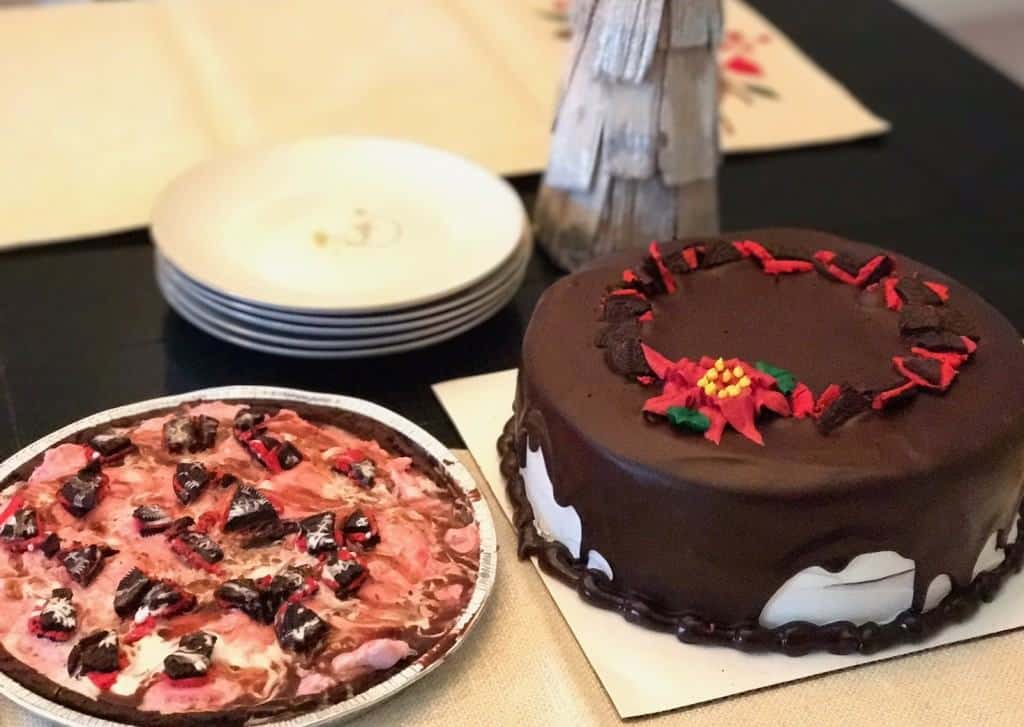 Best Holiday Desserts - Holiday-themed desserts at Baskin-Robbins