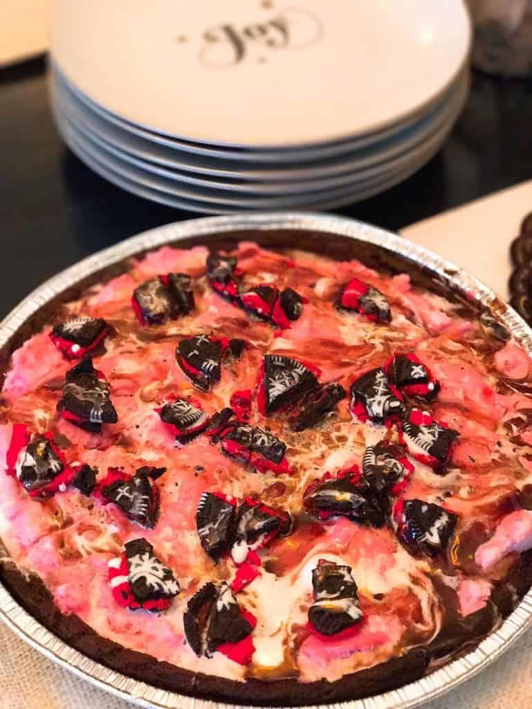 Baskin-Robbins Peppermint Polar Pizza - Best Holiday Desserts