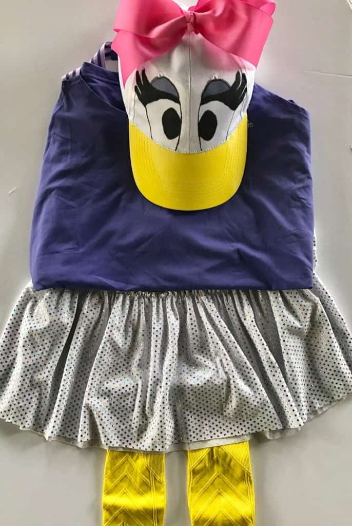 Easy DIY Daisy Duck Running Costume