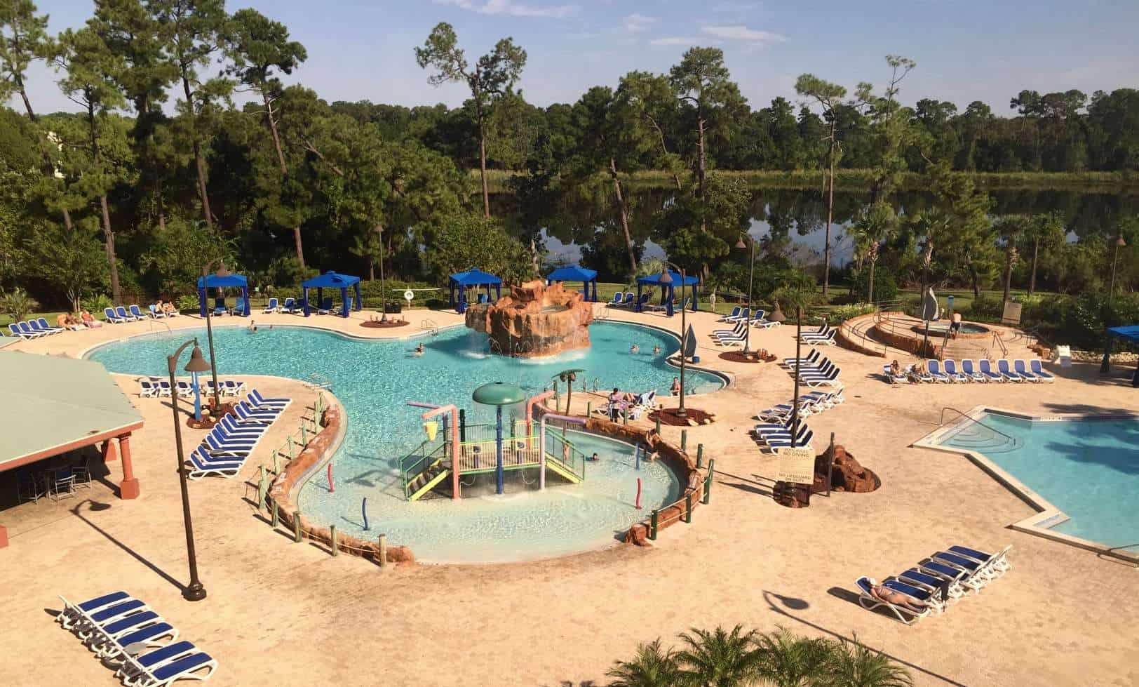 Take a dip in the wonderful Wyndham Lake Buena Vista pool.