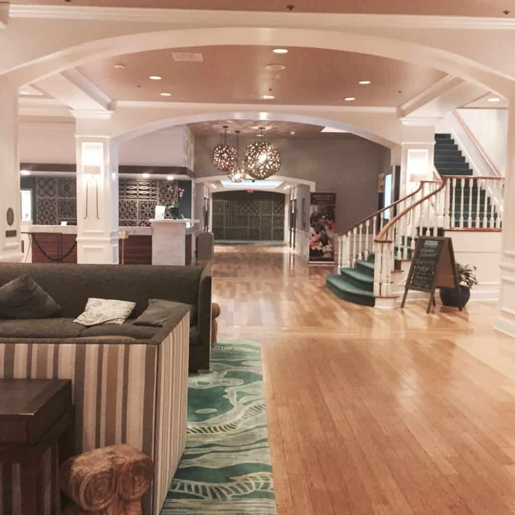 The Wyndham Lake Buena Vista offers an inviting lobby with amenities galore!