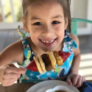 When you don't have a lot of time and your kids are hungry, try easy waffle and pancake kabobs!