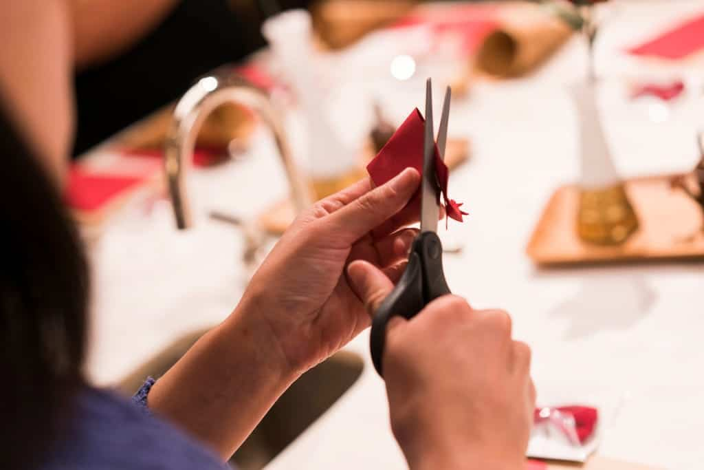 Making paper roses at Williams Sonoma with Handmade by Sara Kim