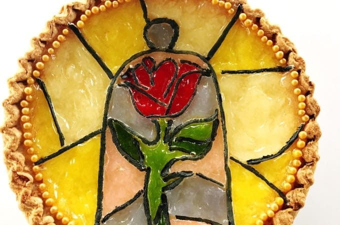 Make a Beauty and the Beast Pie in 5 steps with these easy hacks.