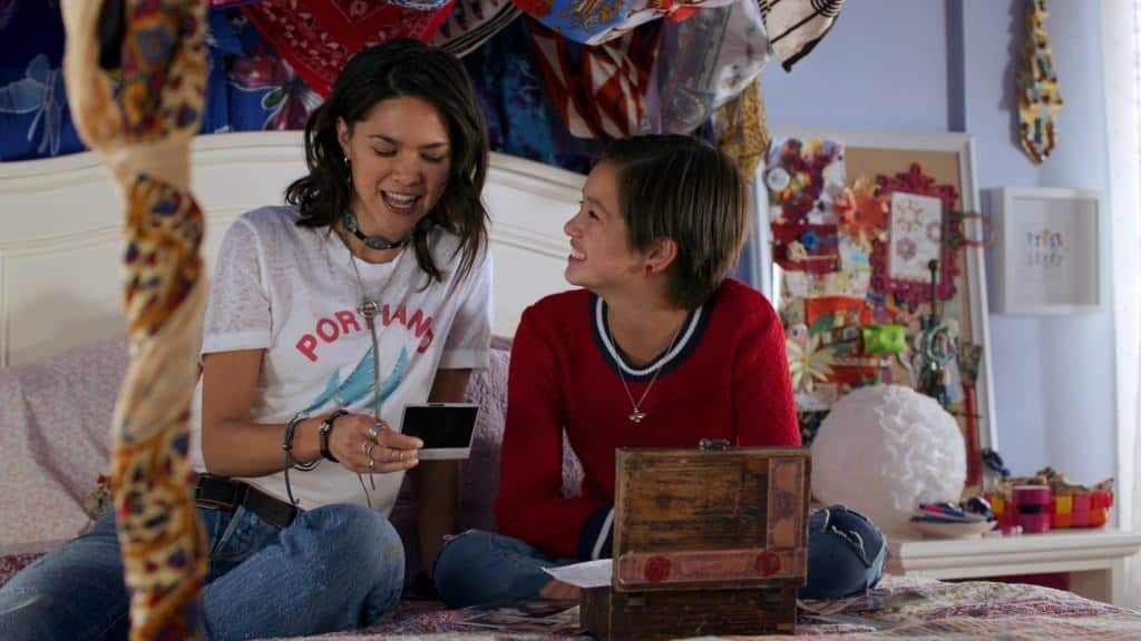 Andi Mack tries to figure out her relationship with her sister.