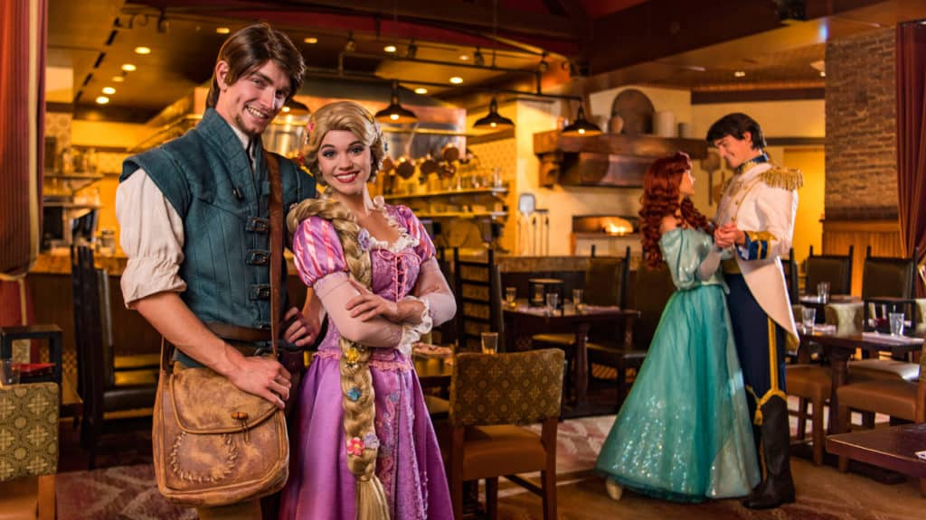 What characters can you find at the Bon Voyage Adventure character breakfast?