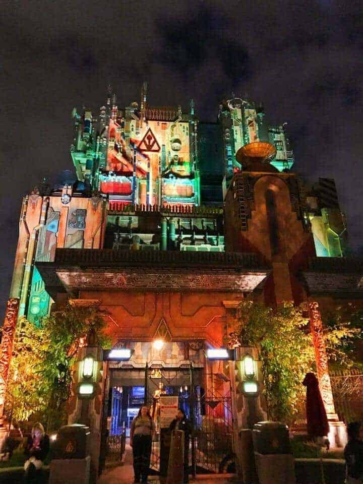 Ride Guardians of the Galaxy - Mission: BREAKOUT! at night! It's so cool!