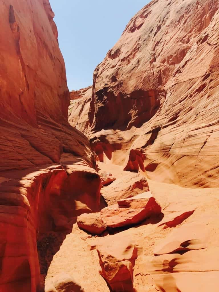 Explore Navajo Land with the Horseshoe Bend Slot Canyon Tour!