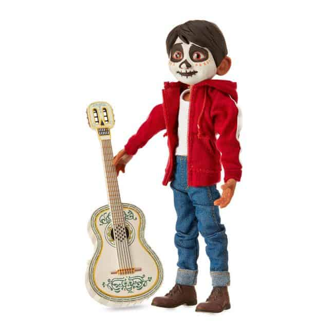 The best Coco gift ever for children is this singing Miguel doll!