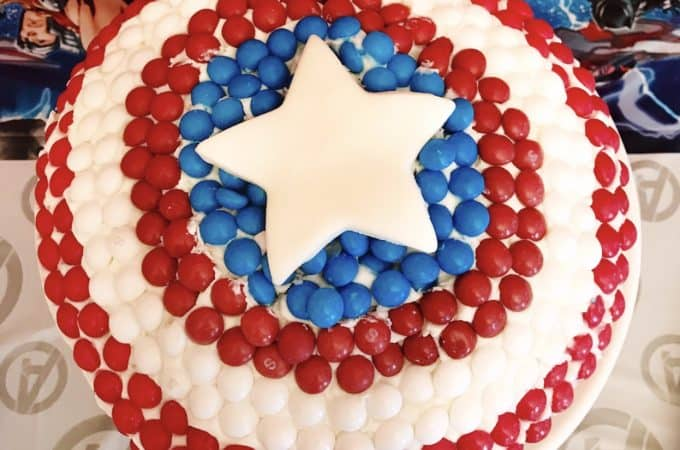 Here's a Captain America cake for your Avengers fan!