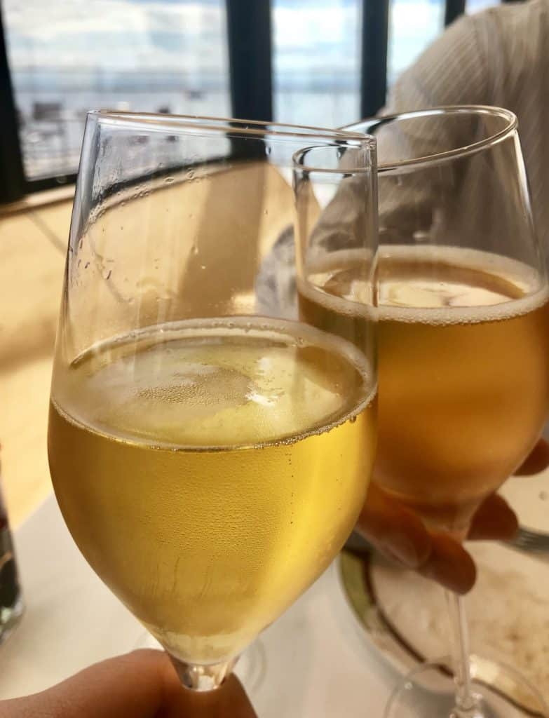Complimentary apple cider for all your non-alcoholic drinkers at Palo brunch!
