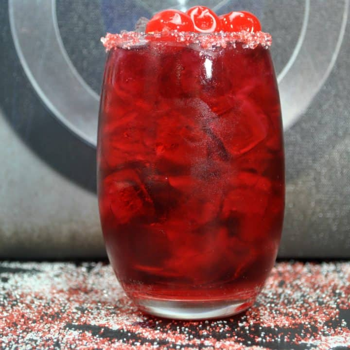 Make this delicious Captain America drink recipe for your Avengers parties and movie nights before Avengers: Infinity War.
