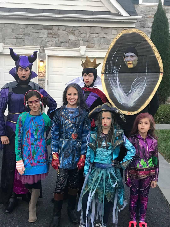 Family Disney Descendants Costumes Lola Lambchops