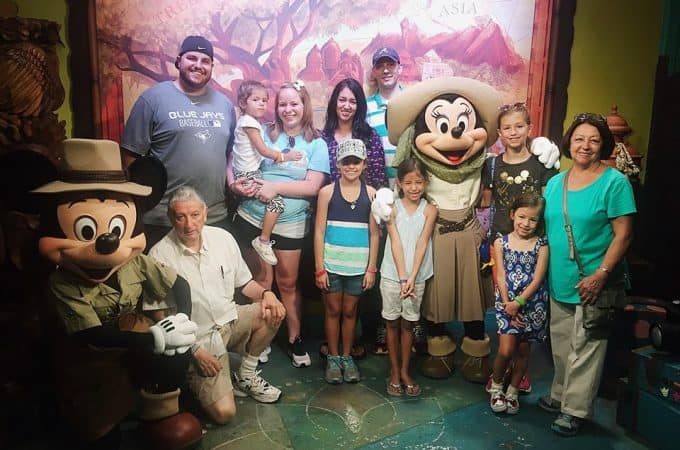 Best tips for multigenerational family vacations to Disney World!