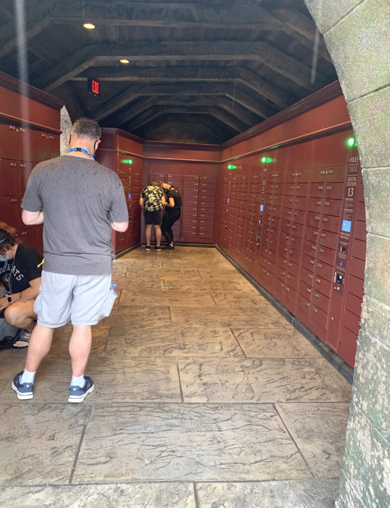 Universal Orlando ride lockers