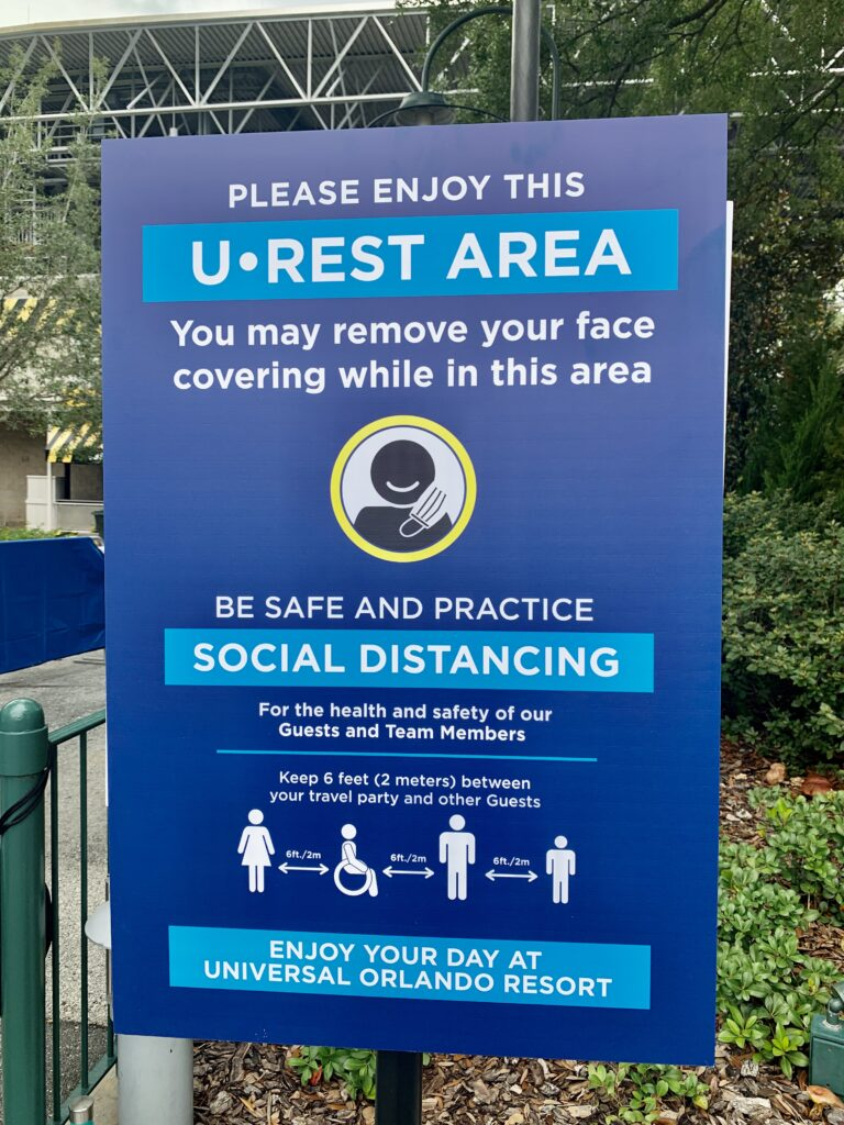 Urest areas Universal Orlando no masks