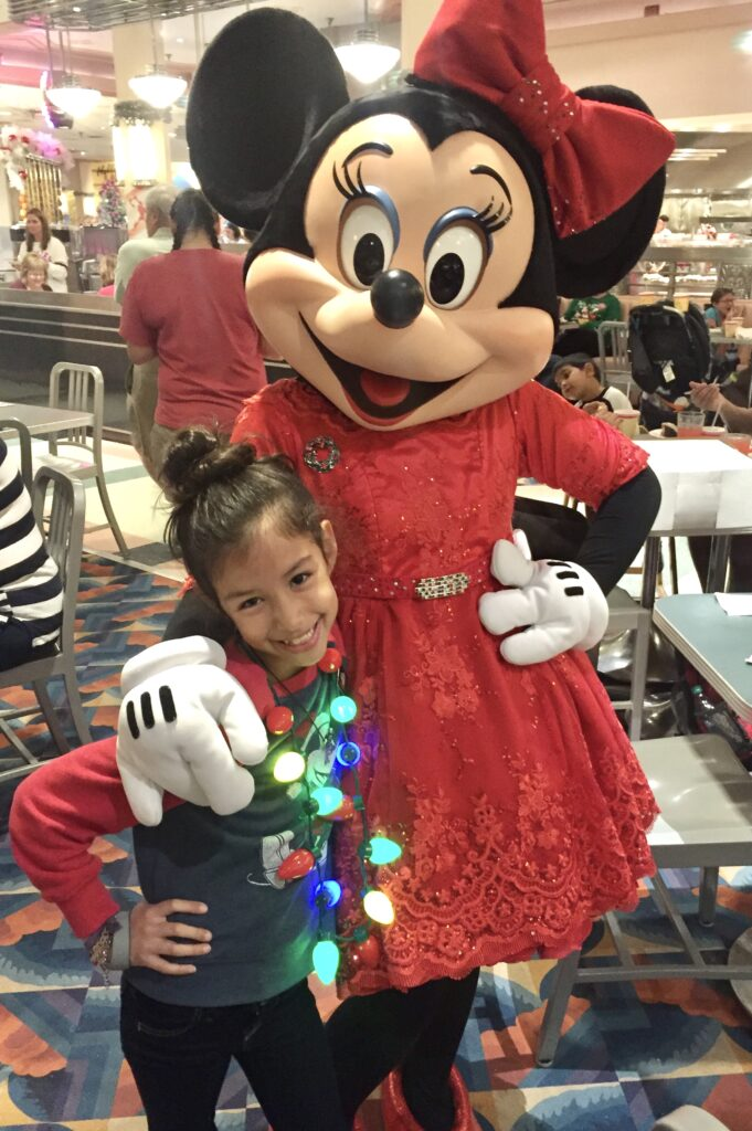 Minnie Mouse Holiday Hollywood and Vine Dinner