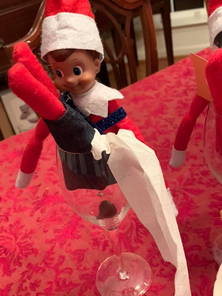 2020 elf on the shelf toilet paper