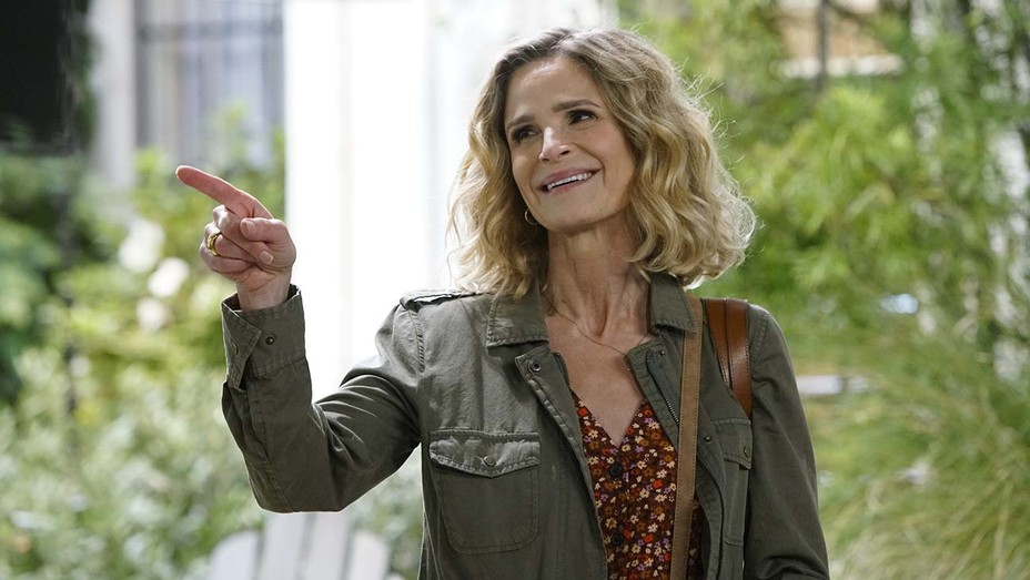 Kyra Sedgwick in Call Your Mother